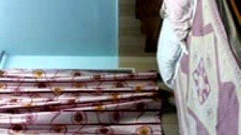 भारतीय शिक्षक ने एक निजी सबक के बाद घर का बना सेक्स किया है