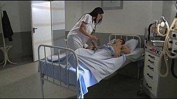 नर्स चूसने और उसके रोगी बनाने