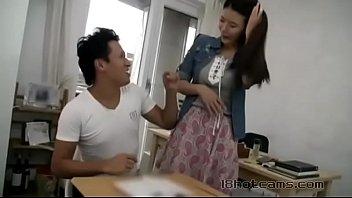 कोरियाई शिक्षक अपने छात्र संकलन को बकवास करते हैं
